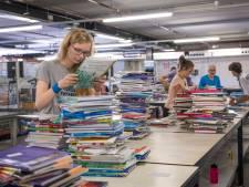 Dankzij meer geld en snacks komen studieboeken nu wél op tijd