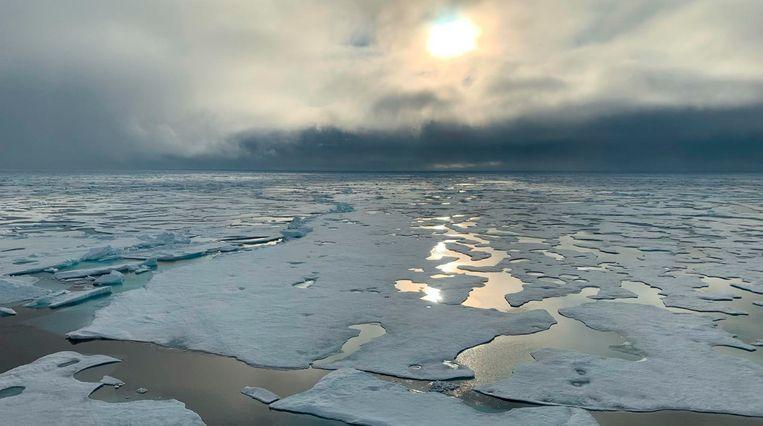 Smeltend zee-ijs op de Noordpool. Archiefbeeld van vorig jaar. Beeld AP