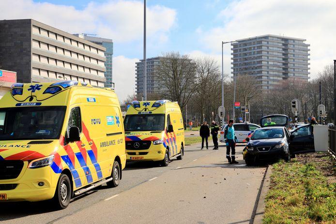 Beide slachtoffers zijn met een ambulance overgebracht naar het ziekenhuis.