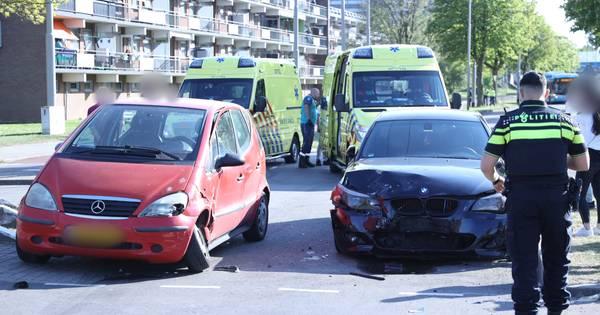 Twee gewonden bij aanrijding in Arnhem.
