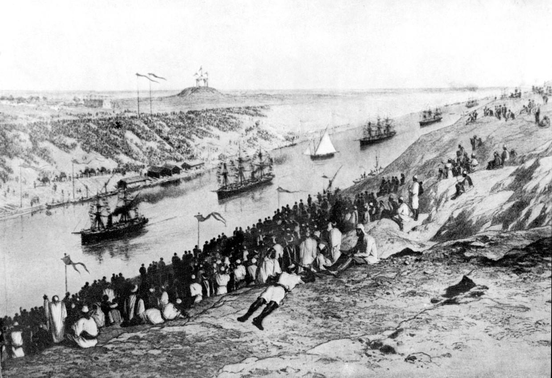 De opening van het Suez-kanaal in 1869, te zien op een tekening van onbekende hand. Beeld Hollandse Hoogte / AFP
