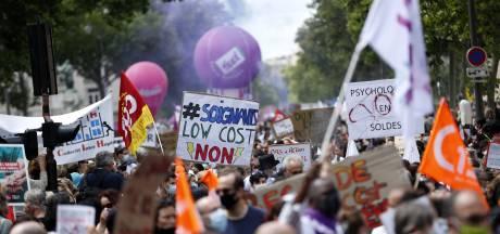 Des milliers de soignants manifestent partout en France, des tensions à Paris