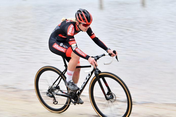 Laura Verdonschot begint in Bredene aan haar veldritseizoen.