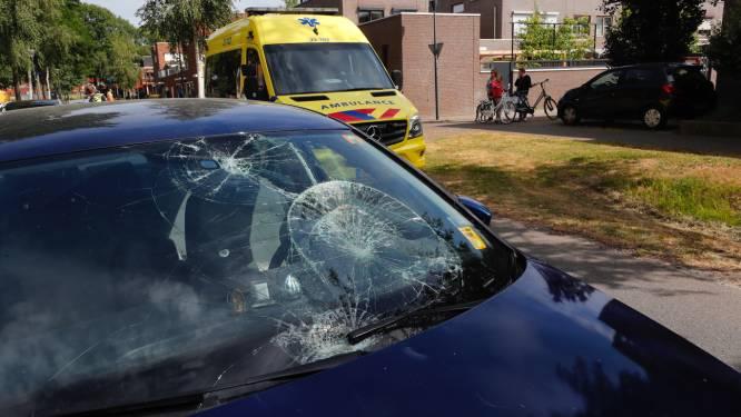 Man (83) en vrouw (82) gewond na aanrijding met auto in Eindhoven