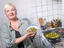 Vegan koken is voor Anouk een sport, haar vleesloze curry is 'buitenaards lekker'