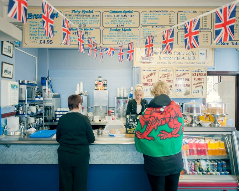 Een viszaak in het Britse New Brighton. Beeld Hollandse Hoogte / Eyevine