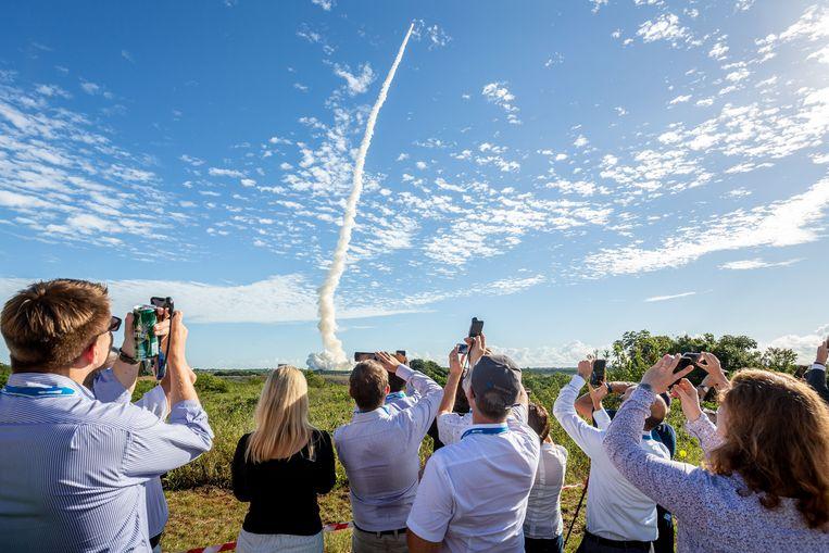 De Ariane 5-raket wordt in juli 2018 vanaf Frans-Guinea de ruimte ingeschoten met vier Galileo-satellieten aan boord. Beeld AFP