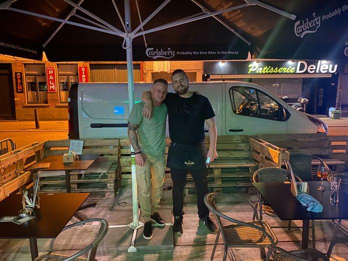 Nick Van Bedts en Vincent De Roeck, uitbaters van cocktailbar, brasserie, pool- & snookerhal 'Abricot'.