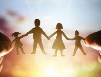 Vlaamse Ombudsdienst trekt aan alarmbel over adoptieprocedure