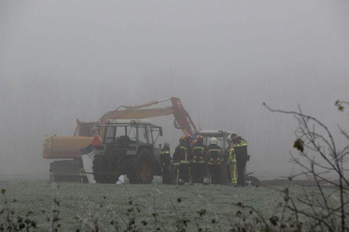 Het ongeluk vond plaats langs de Harfsenseweg in Laren.