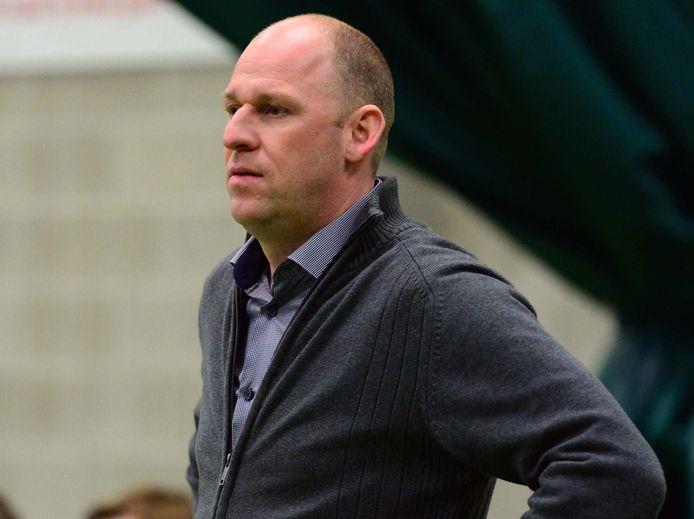 Coach Danny Wouters spreekt met enkele clubs, maar niets is concreet.