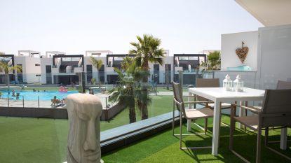 WOONVIDEO. Honderden Belgen kochten al dit type flat in Spanje: zo maakten Imka en Xavier er hun tweede thuis van