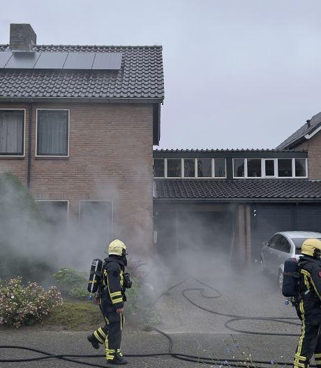 Forse woningbrand in Oldenzaal: brandweer rukt uit met meerdere eenheden