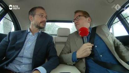 Collega's lachen er niet mee: Nederlandse minister die doodleuk toegeeft autogordel meestal niet te dragen moet door het stof