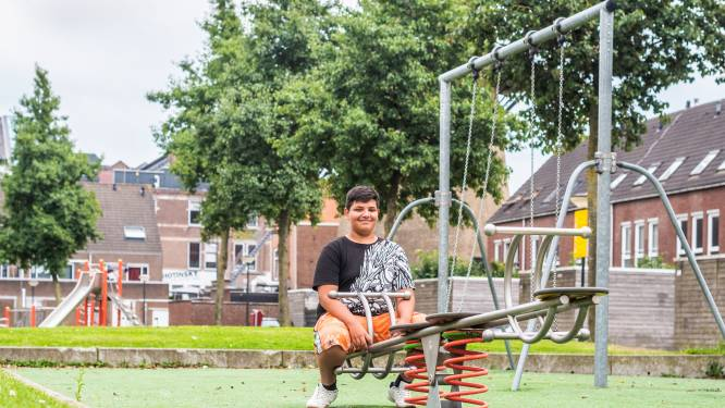 Janos (12) woonde in Hongarije en in Engeland, en nu naast de Dordtse molen: 'Iedereen is hier lief en blij'