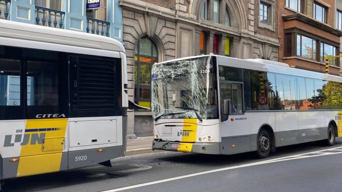 Twee bussen De Lijn botsen op elkaar: 9 lichtgewonden