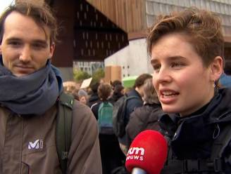 """Anuna De Wever op klimaatmars Gent: """"Het heeft geen zin om in de scholen te zitten en een diploma te halen voor een toekomst die er niet is"""""""