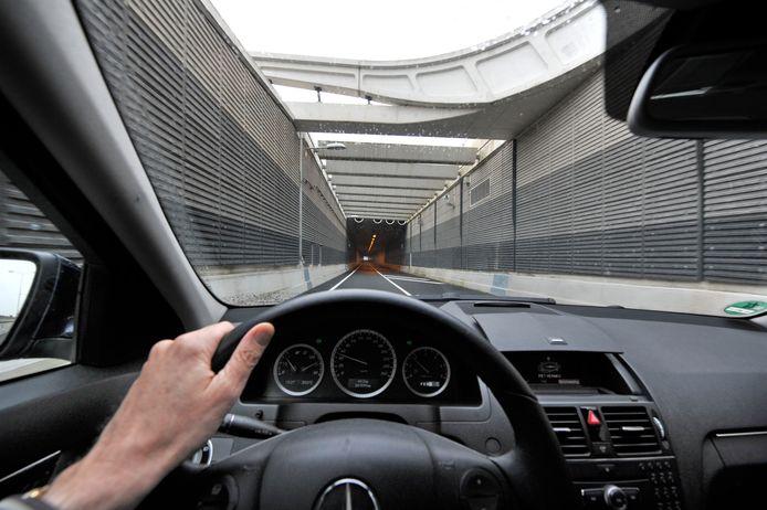De provincie wil infraprojecten, zoals aanleg en onderhoud van wegen en tunnels, naar voren halen.