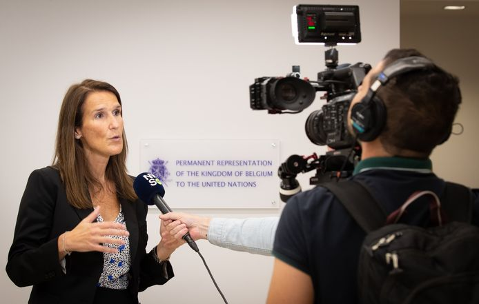 Minister van Buitenlandse Zaken Sophie Wilmes staat de pers te woord in New York.