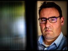 Van corruptie verdachte Richard de Mos beëdigd tot raadslid: 'Met een dubbel gevoel'