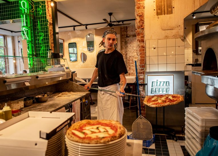 Pizza Beppe at the Nassaukade  Beeld Lin Woldendorp