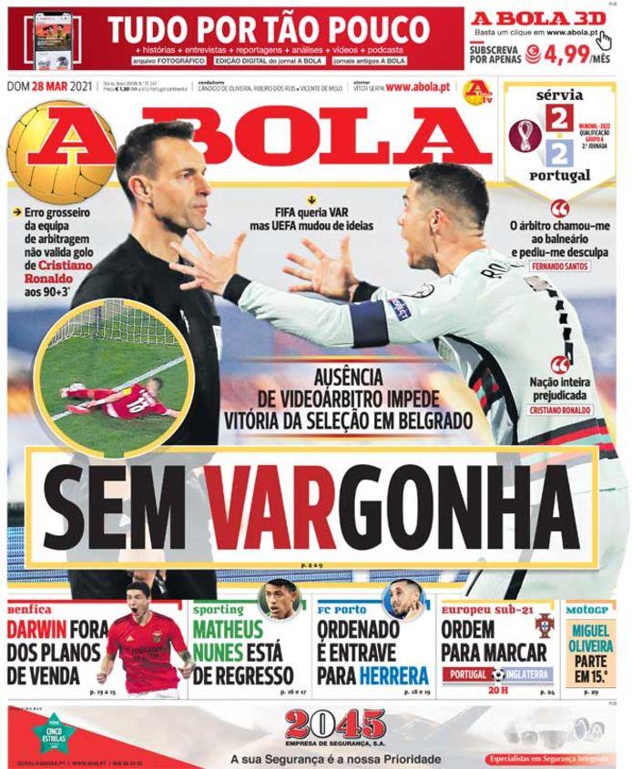 De cover van A Bola met de woordspeling sem vargonha, vrij vertaald 'schaamteloos'.