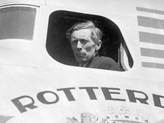 KLM-gezagvoerder Adriaan Viruly, 9 mei 1946