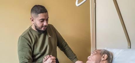 Zorgpersoneel gaat steeds vaker als zelfstandige aan de slag