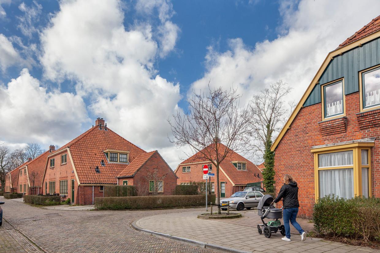 Hoek Graspad en Wingerdhoek in het zogenaamde Blauwe Dorp in de wijk Oosterpark in Groningen. Woningen van stichting Nijestee.