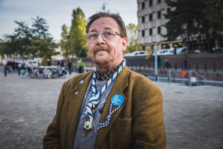 Peter Vandersteene wil met zijn oude makkers van de zeescouts afspreken voor een boottochtje