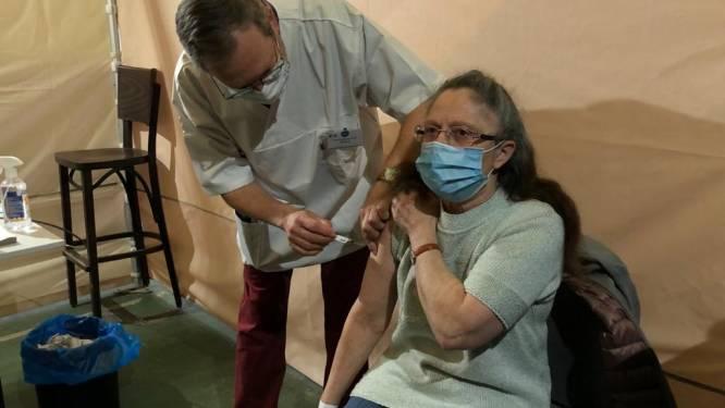 """10.000ste prik in vaccinatiecentrum Landen: """"En nu naar 16.000 tegen einde van de paasvakantie"""""""
