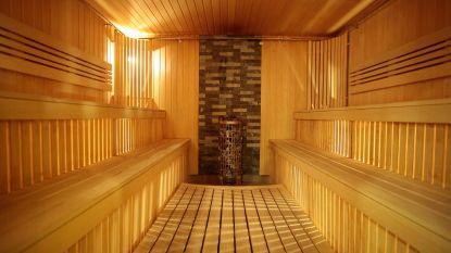 Saunaganger doet onzedelijk voorstel aan minderjarige