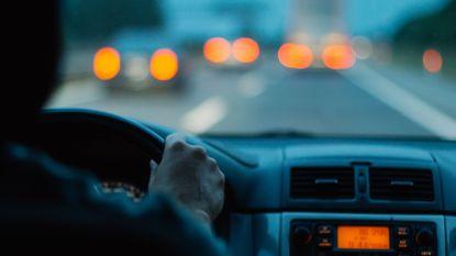 Politie betrapt snelheidsmaniak met 173 km/u (waar 70 is toegestaan) na klachten van buren