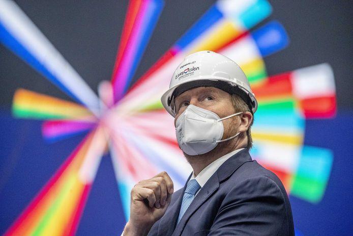 De koning inspecteert eind april de opbouw van het grootste podium dat ooit in Ahoy heeft gestaan.