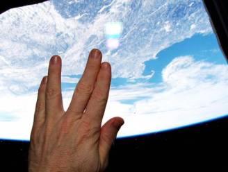 Astronaut brengt subliem eerbetoon aan Mister Spock