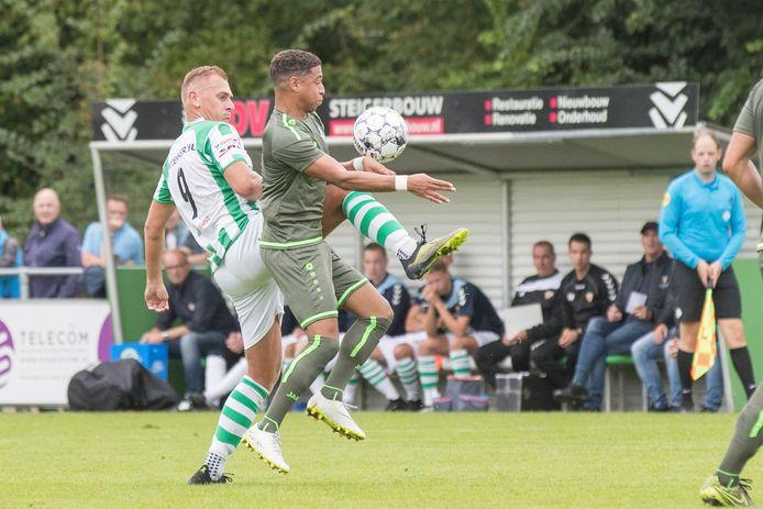 Kloetinge (groen-wit) versloeg in de eerste kwalificatieronde al een derdedivisionist: FC Lienden.
