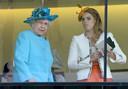 De relatie deed de angst serieus toeslaan in Buckingham Palace, al bewees Paolo zelf dat daar reden toe was. De vriend van Beatrice bracht de koninklijke familie meermaals in verlegenheid.
