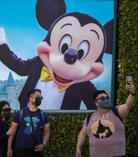 Mickey en Minnie ontvangen weer gasten, de hug komt later