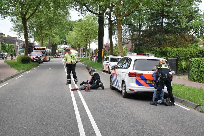 De politie had de handen vol aan het oppakken van een groepje stennischoppers in een lijnbus.