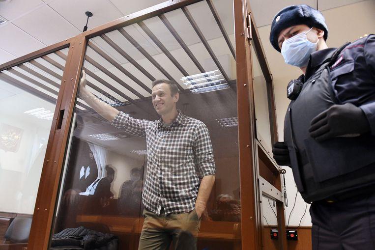 Navalny tijdens de hoorzitting. Beeld Photo News