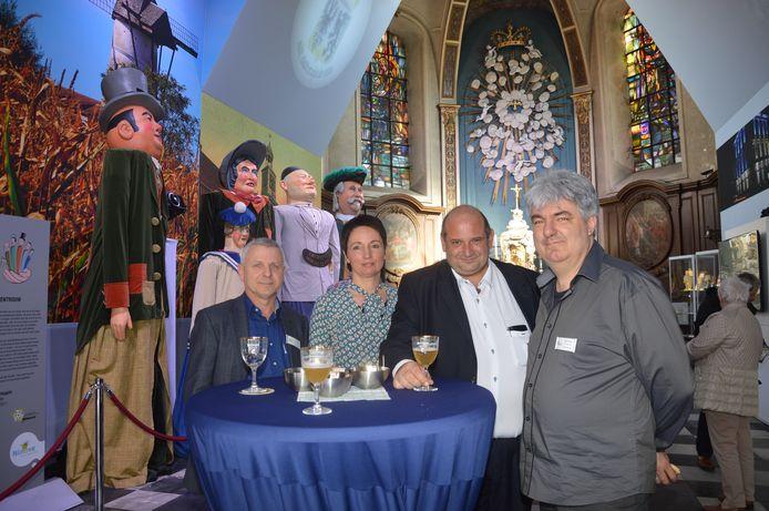 Archiefbeeld - VVV-Ninove-voorzitter Yvan Roelandt, Kathleen De Herder -medewerker van de dienst toerisme-, toerismeschepen Alain Triest en toerismeconsulent Danny De Saedeleer in het toeristisch centrum in de Hospitaalkapel bij de opening in 2017.