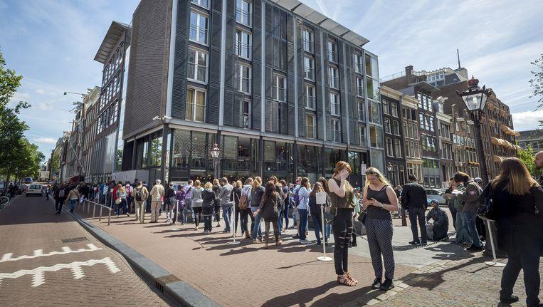 Muñoz Ramírez kan zich voorstellen dat Amsterdammers bijvoorbeeld korting krijgen bij het Anne Frank Huis. Beeld anp