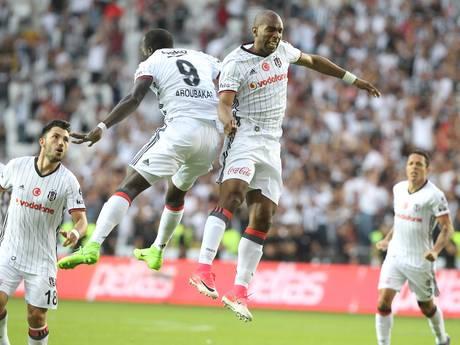 Babel schiet Besiktas naar Turkse landstitel