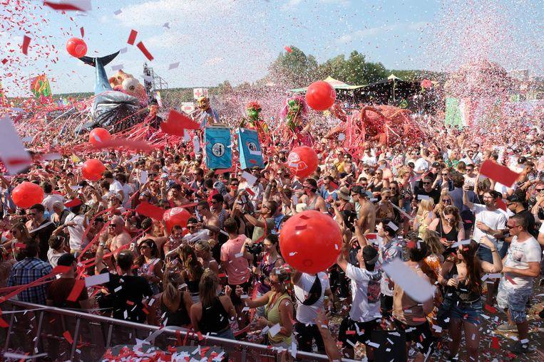 Chaos en geluk op de eerste editie van Elrow Town in Antwerpen vorig jaar.
