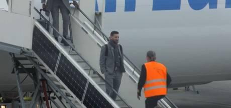 Messi zet voet op Eindhovense bodem: selectie FC Barcelona geland
