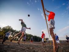 Hoevense wijken gaan de strijd aan in volleybaltoernooi