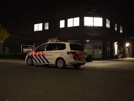 Politie zet omgeving af na inbraak in Vroomshoop