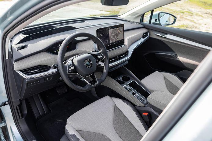 Stoere stof op het dashboard, de middentunnel en op de deuren: een Skoda-interieur nieuwe stijl.