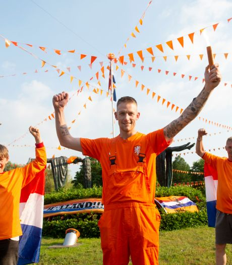 Ondanks kritiek wordt er ook vanavond gefeest op Oranjerotonde in Apeldoorn: 'Maar ruim je rotzooi op'