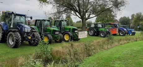 Tientallen trekkers naar gemeentehuis in Gendringen om 'desastreus' landschapsplan